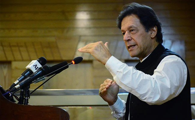 PAK closes airpace for India - Imran Khan - THN