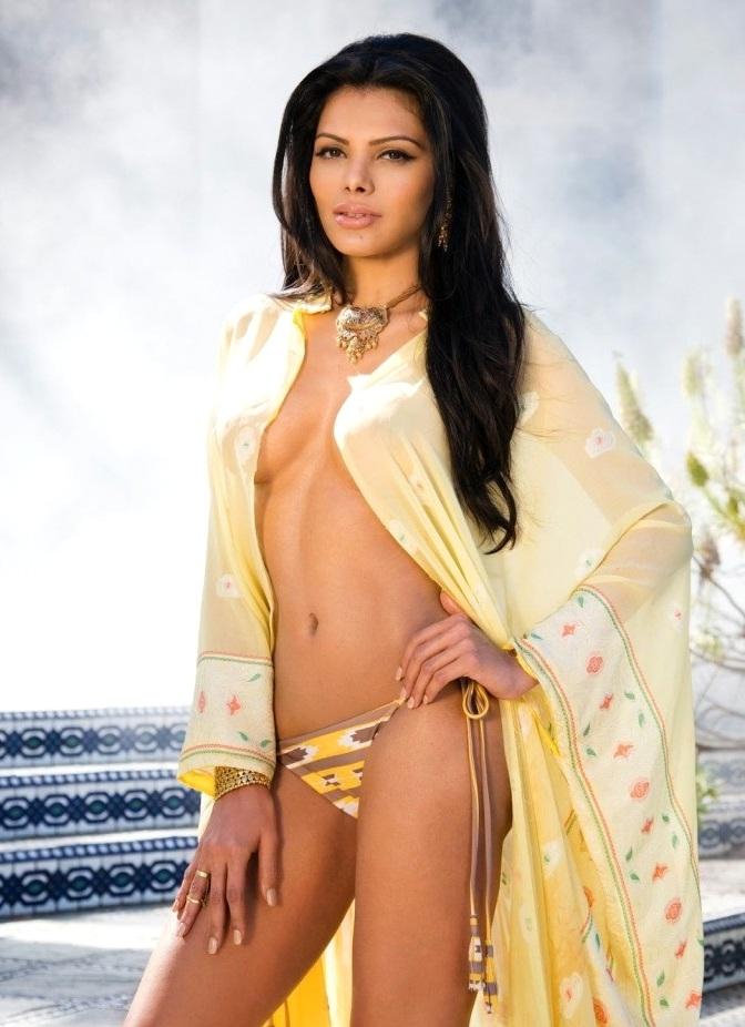 Sherlyn Chopra topless photo