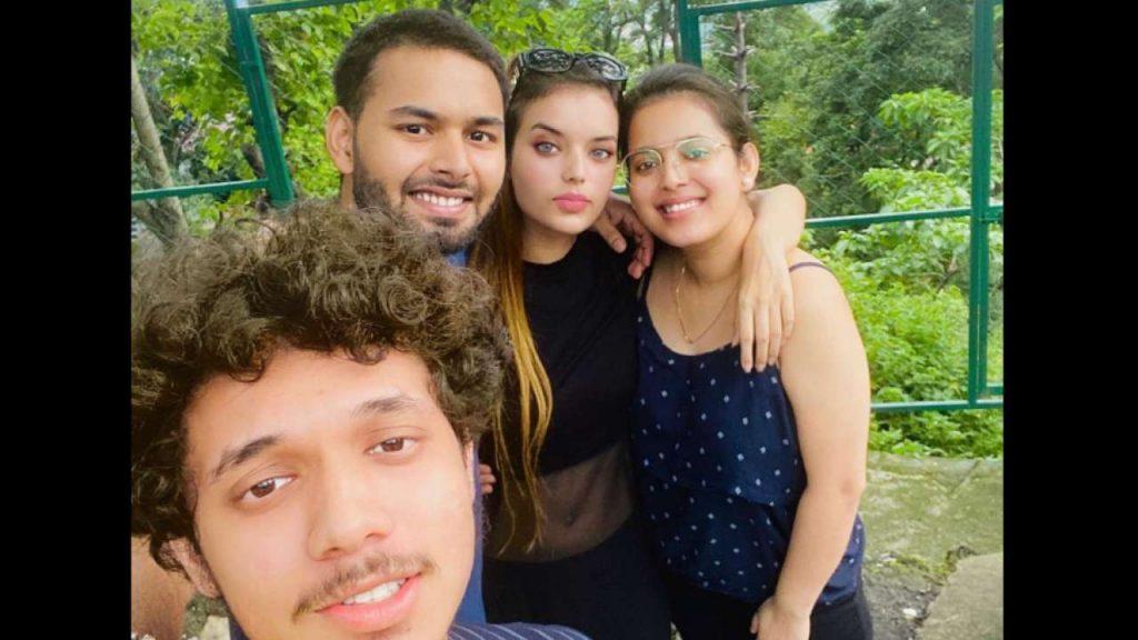 Rishabh Pant girlfriend Isha Negi photos